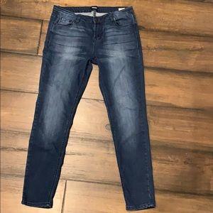 Kenzie skinny jeans size 30. Super soft!